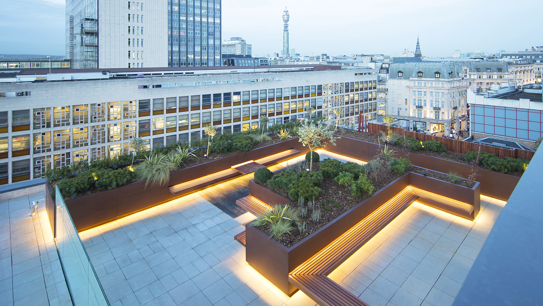 Hanover Square Planters by Europlanters