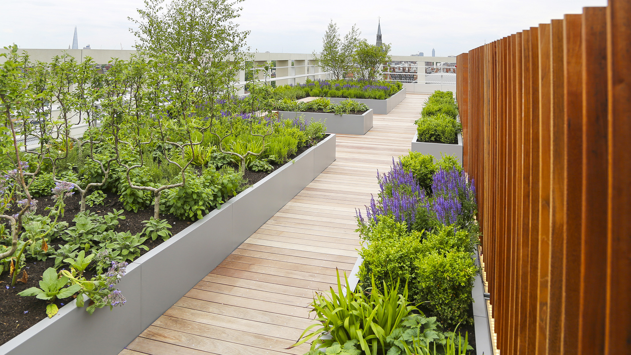 Kings Cross Planters by Europlanters