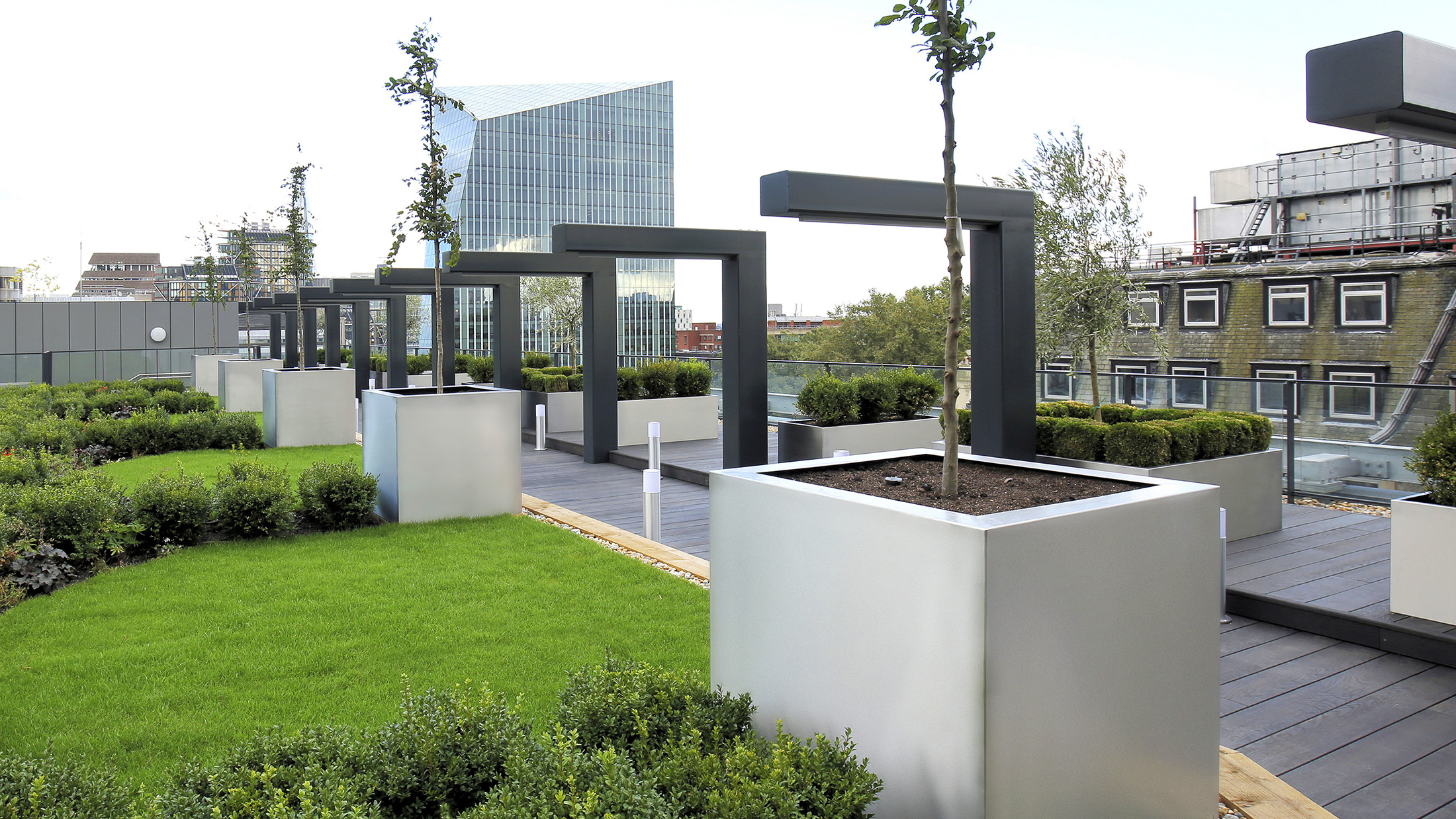 South Bank Planters by Europlanters