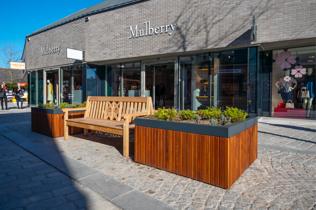 Cheshire Oaks Planters