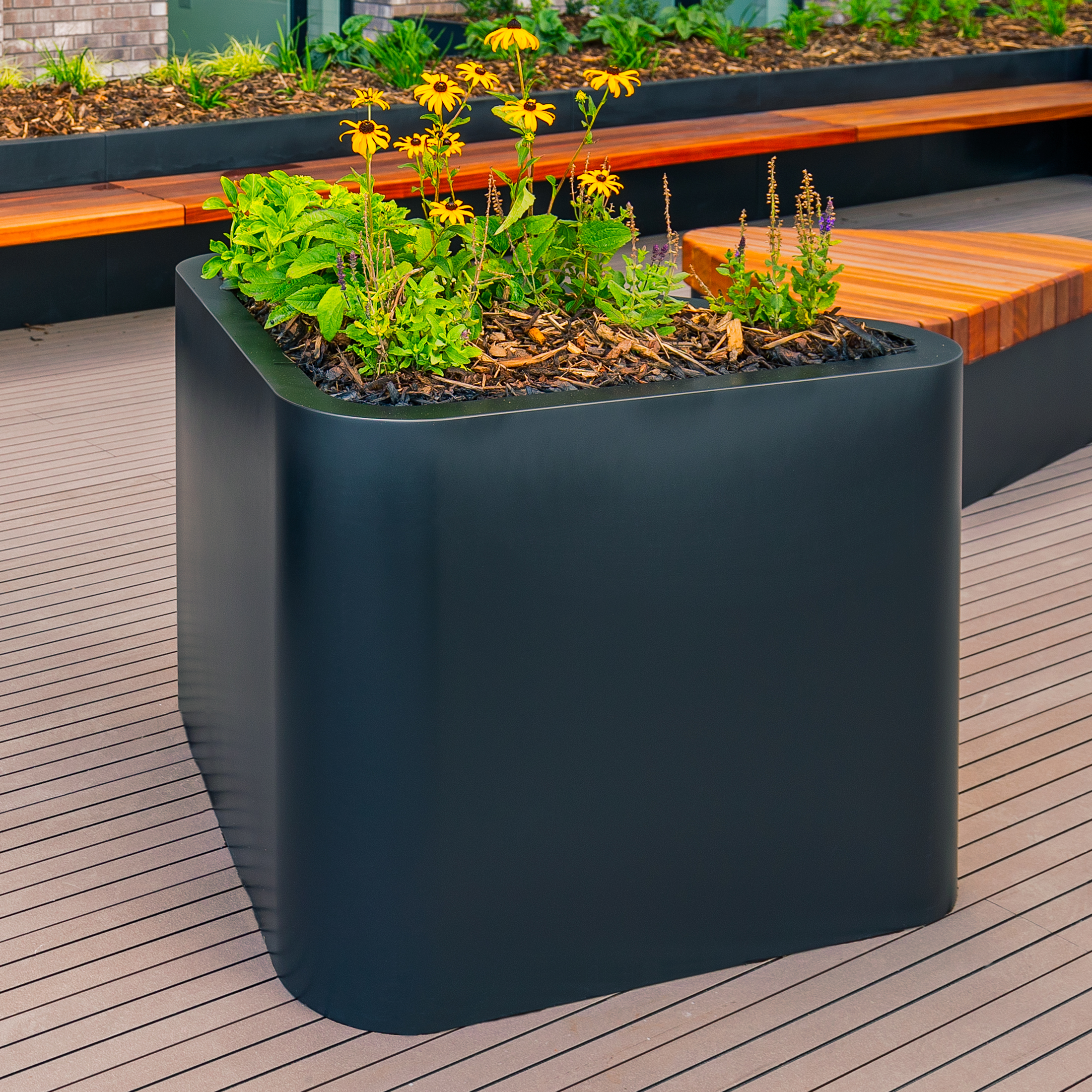 Bowdon-Planter-by-Europlanters