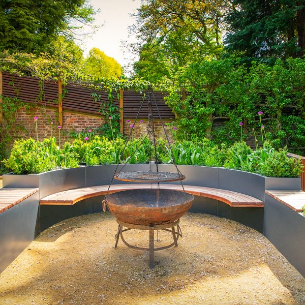 Didsbury-curved-planters