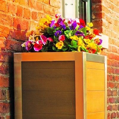 GRP WOOD EFFECT PLANTER